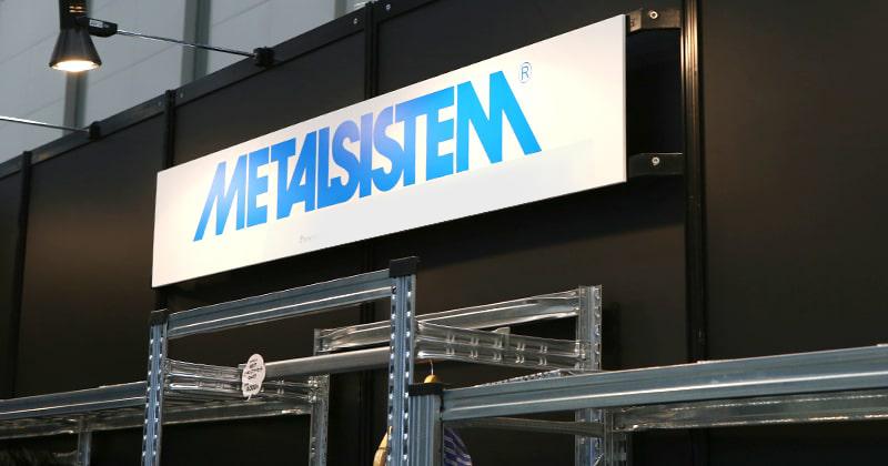 メタルシステムラックのブースを発見!